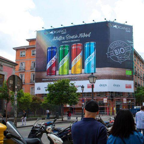 Lona publicitaria Red Bull